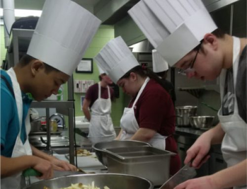 hospitality students Working in kitchen